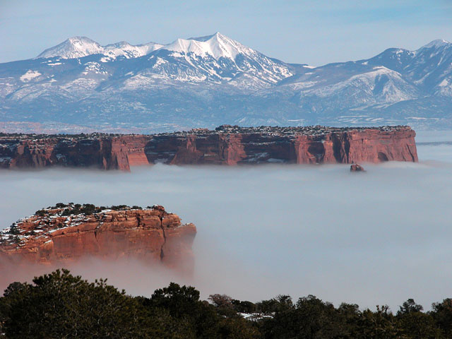 canyonlands_clouds