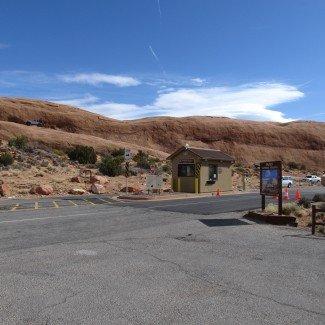Hell's Revenge Moab Utah Entrance