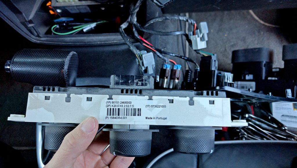 GM 15840354 HVAC Instrument Panel Removed to replace the light bulb H3 Hummer